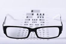 Tanpa kacamata, mata malas bisa terjadi akibat mata silinder