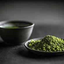 L-theanine adalah asam amino yang umum ditemukan dalam daun teh