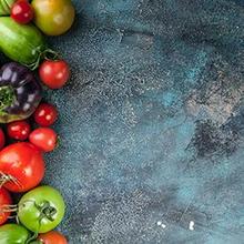 Salah satu pantangan autoimun saat menjalani program diet AIP adalah sayuran nightshade seperti tomat, terong, dan paprika
