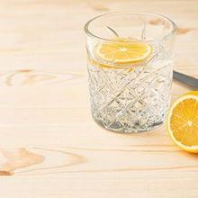 Manfaat air lemon hangat bisa meningkatkan kekebalan tubuh terhadap penyakit musiman