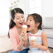 Manfaat es krim salah satunya adalah membuat perasaan lebih bahagia