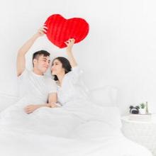 Bantal bercinta dirancang khusus untuk memudahkan Anda melakukan berbagai posisi bercinta