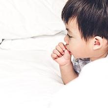 Diastema bisa disebabkan karena kebiasaan mengisap ibu jempol