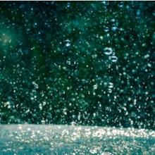 Daur air bisa dilihat antara lain dari hujan.