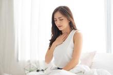 Faringitis akut ditandai dengan sakit tenggorokan