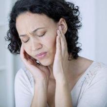 Serumen prop adalah kondisi kotoran telinga yang mengeras dan menumpuk di dalam telinga