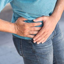 Gejala fraktur pelvis adalah rasa nyeri di area pelvis atau panggul