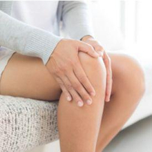 Penyebab lutut sakit di usia muda biasanya berupa cedera lutut atau sindrom nyeri patellofemoral