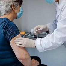 proses vaksin dan imunisasi lansia untuk mencegah penyakit