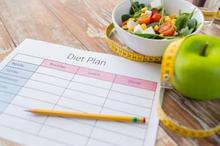Diet food combining adalah pola makan dengan mengklasifikasikan makanan tertentu untuk dikonsumsi