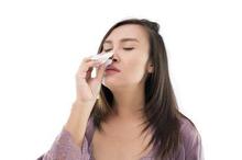 Mimisan atau ingus berdarah dapat disebabkan karena pembuluh darah di hidung pecah