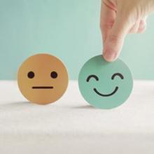 Perbedaan emosi dan perasaan bisa dilihat saat seseorang mengalami sesuatu