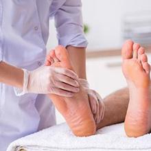 dokter podiatri menangani masalah kaki (podiatris)