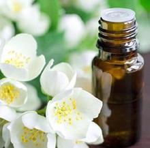 Minyak melati dianggap ampuh untuk meredakan gejala menopause.