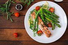 Dalam diet Nordik, Anda bisa dengan mudah menemukan bahan-bahan makanan untuk dikonsumsi melalui menu diet yang simple