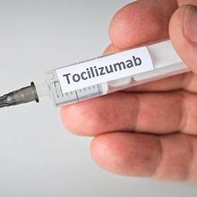 Tocilizumab adalah jenis obat yang dihasilkan dari agen antibodi yang memiliki manfaat mengobati rheumatoid arthritis