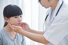 Benjolan di leher anak dapat disebabkan oleh berbagai hal