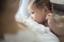 Inisiasi menyusui dini sudah disarankan oleh WHO maupun IDAI karena baik untuk kesehatan bayi dan ibu