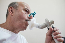 Kapasitas total paru-paru bisa dihitung dengan alat bernama spirometer.