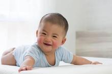 Eksim pada bayi bisa menimbulkan bercak merah pada kulit Si Kecil