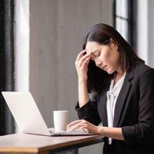 Kepala sakit saat menunduk dapat terjadi akibat mata lelah