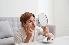 Cara menghilangkan bruntusan di wajah dapat menggunakan retinol