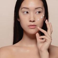 Memilih kandungan skin care untuk kulit sensitif pun harus dilakukan dengan cermat dan bijak