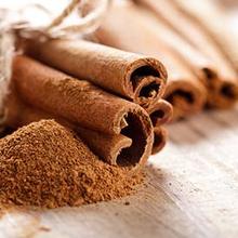Coumarin yang dapat ditemukan dalam kayu manis punya potensi efek samping