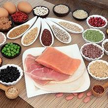 Sumber protein adalah seafood, daging sapi, maupun kacang-kacangan