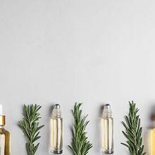 Minyak rosemary adalah salah satu obat tradisional yang digunakan untuk relaksasi