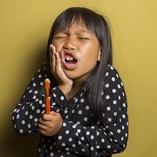 Sakit gigi pada anak bisa diobati dengan air garam atau paracetamol