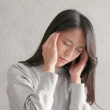Sakit kepala stres adalah kondisi yang terjadi akibat peningkatan produksi hormon kortisol oleh kelenjar adrenal