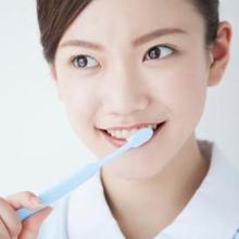 Ganti sikat gigi setiap tiga bulan sekali