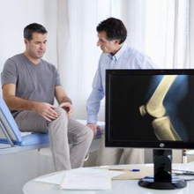 Dokter reumatologi umumnya menangani masalah terkait sendi, otot, dan tulang
