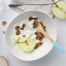 Yogurt dengan apel merupakan makanan sehat untuk usus dan lambung