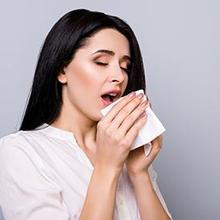 Penyebab sering bersin setelah makan bisa disebabkan oleh makan