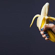Hand job bisa menularkan penyakit seperti IMS, herpes, kudis, dan HPV