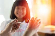 Memberikan vitamin zinc untuk anak dapat membantu tumbuh kembangnya