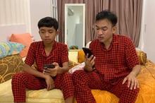 Meski sudah berusia 14 tahun, Betran Peto, anak angkat Ruben Onsu, masih ikut minum ASI perah Sarwendah