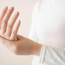 Salah satu ciri peredaran darah tidak lancar adalah rasa kesemutan di tangan