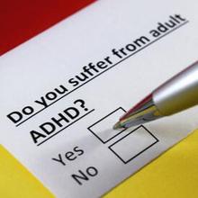 ADHD dewasa mungkin jarang Anda dengar karena biasanya kondisi ini identik dengan perilaku anak-anak yang sulit fokus dan konsentrasi