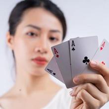Berjudi lewat kartu