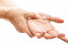 Tangan kebas sebelah kiri bisa menjadi gejala dari penyakit tertentu