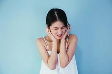 Halusinasi pendengaran bisa datang sebagai gejala penyakit mental