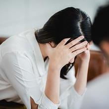 Terapi kecemasan bertujuan untuk membantu pasien mengelola rasa cemas