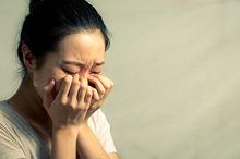 Air mata darah disebabkan oleh perubahan hormon