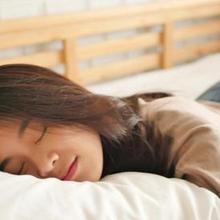 wanita tidur siang tidak bikin gemuk