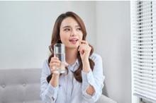 Cara meningkatkan daya tahan tubuh saat puasa bisa dengan konsumsi berbagai asupan multivitamin dan mineral