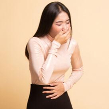 Tips setelah muntah adalah berkumur untuk menghilangkan rasa tidak enak di mulut