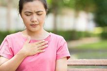Ventrikel takikardi, kondisi jantung berdetak sangat cepat.